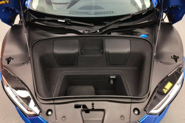 Audi R8 luggage compartment